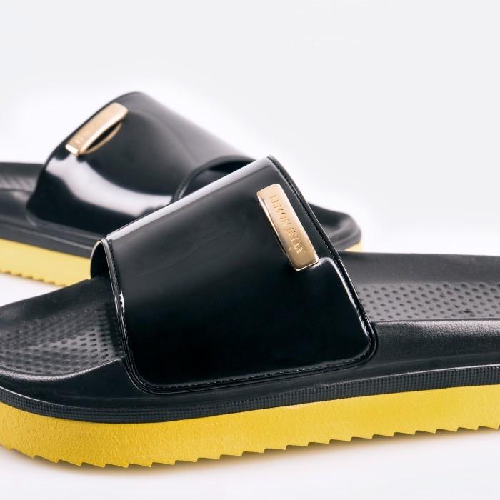 Black Slipper