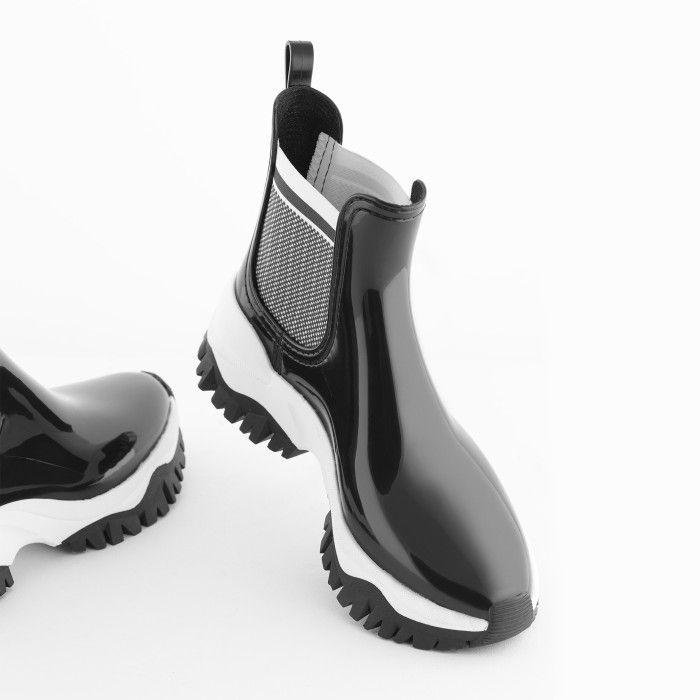 Lemon Jelly | Black Sporty Low Boots for Women | Vegan JORDAN 01
